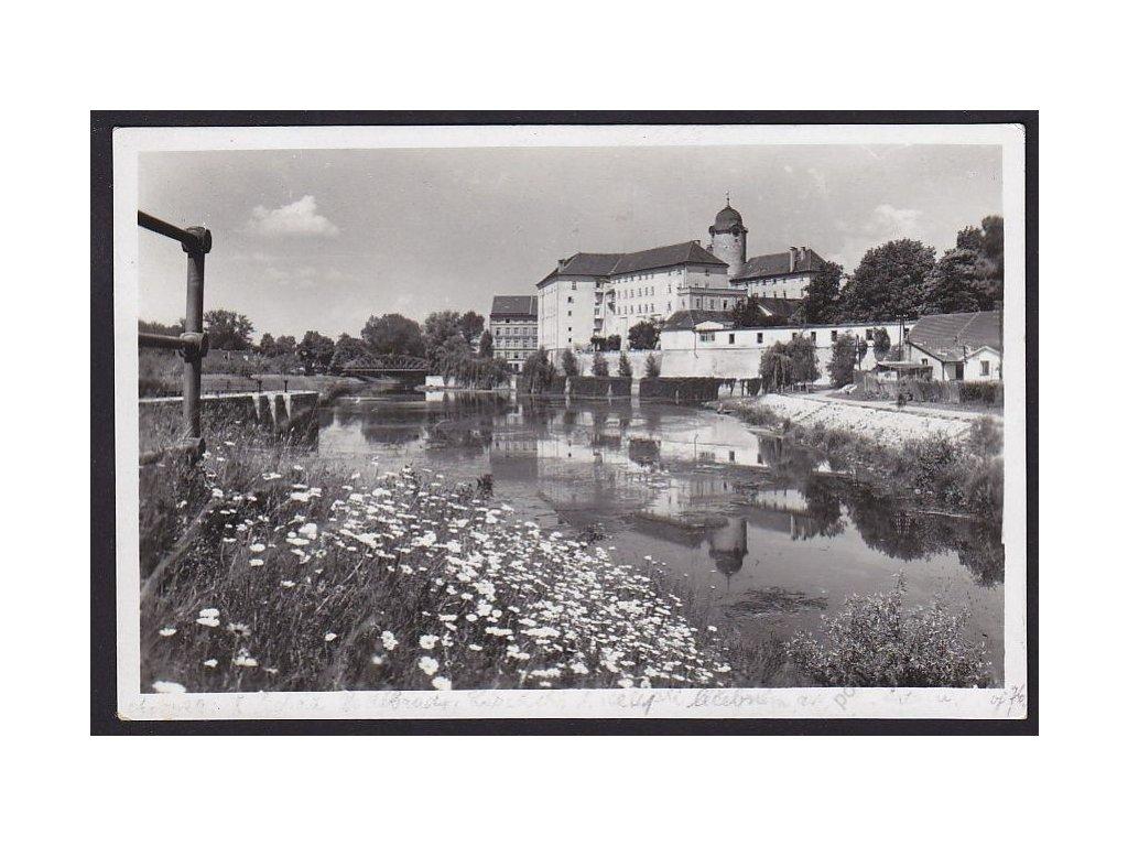 40 - Nymbursko, lázně Poděbrady, zámek, grafo Čuda, cca 1938