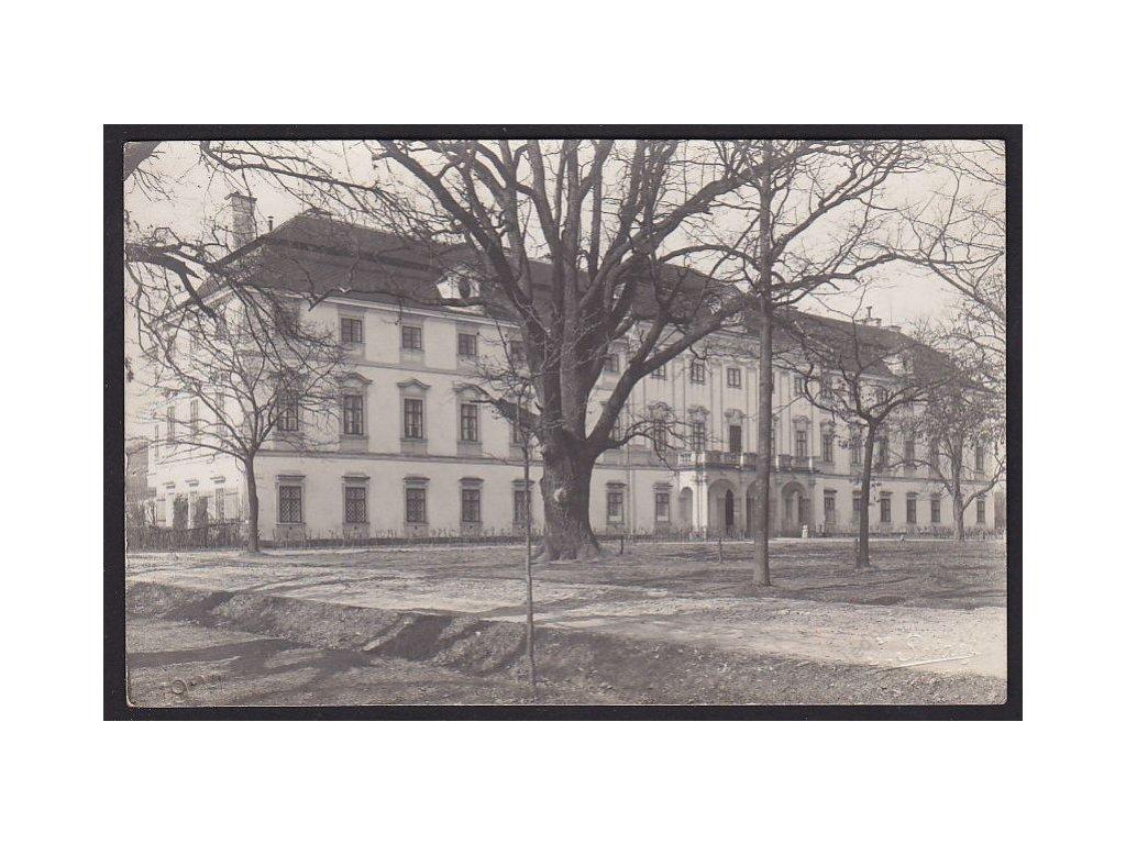 12 - České Budějovice, Lovecký zámek Ohrada, průčelí, cca 1926