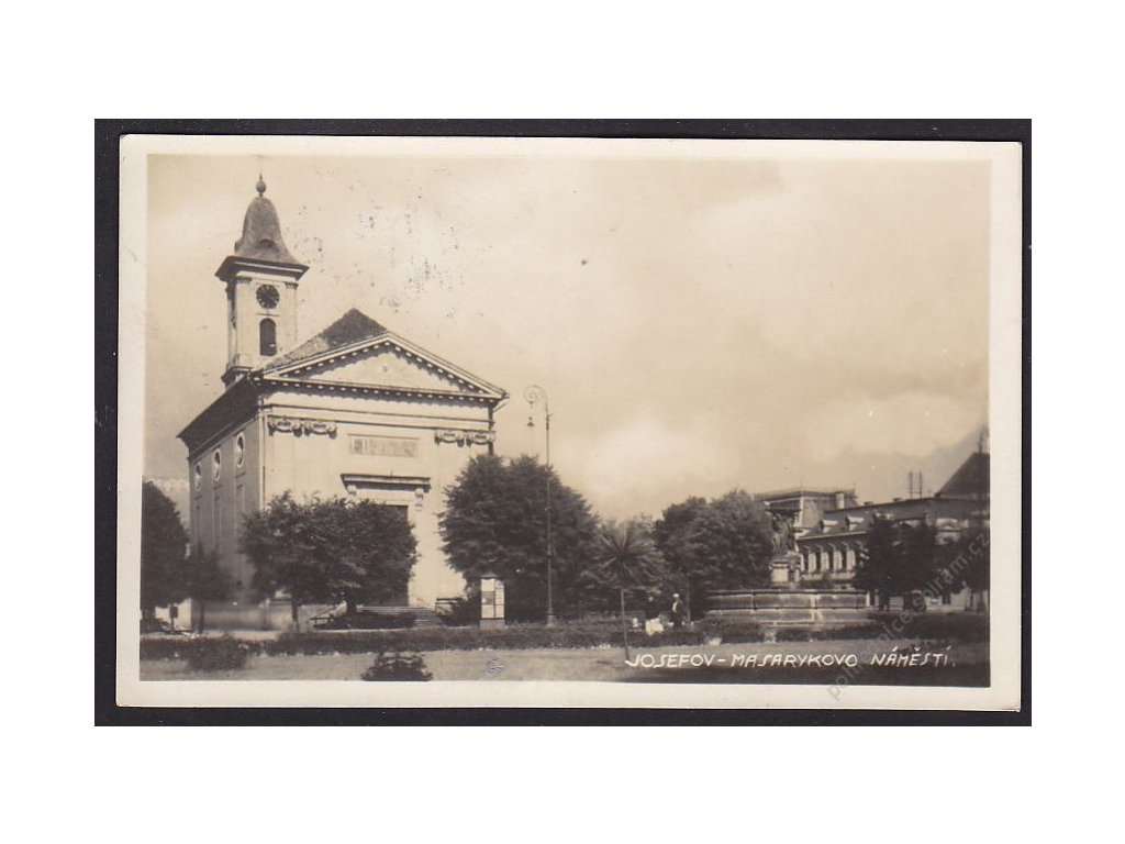 38 - Náchodsko, Josefov (Josefstadt), Masarykovo náměstí, v pozadí radnice, cca 1936