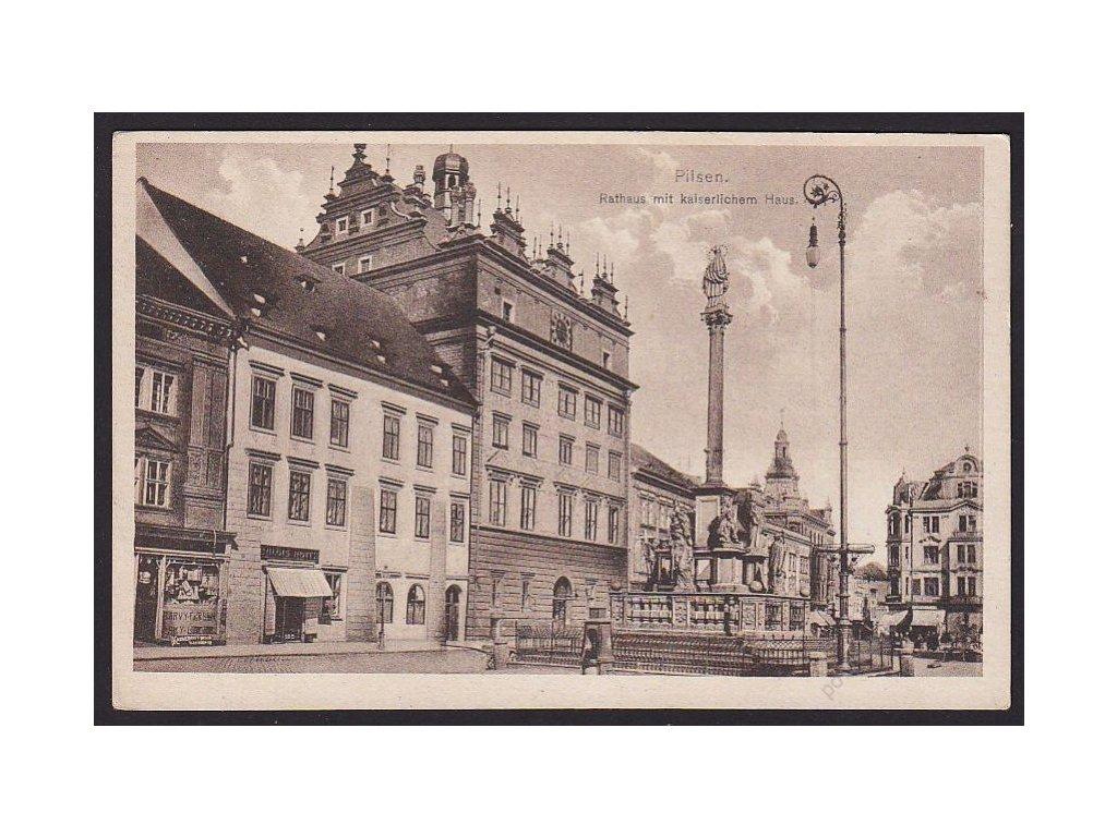 47 - Plzeň (Pilsen), radnice s císařským domem (Rathaus mit kaiserlichem Haus), cca 1925