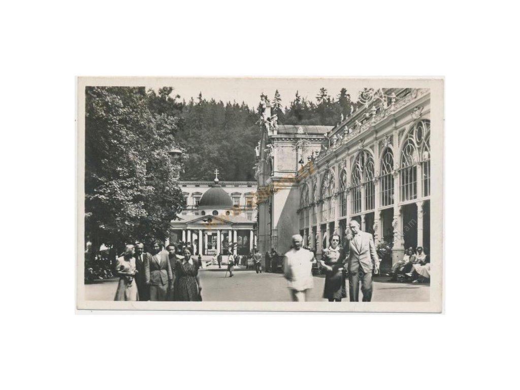 08 - Chebsko, Mariánské lázně, oživená kolonáda, cca 1950