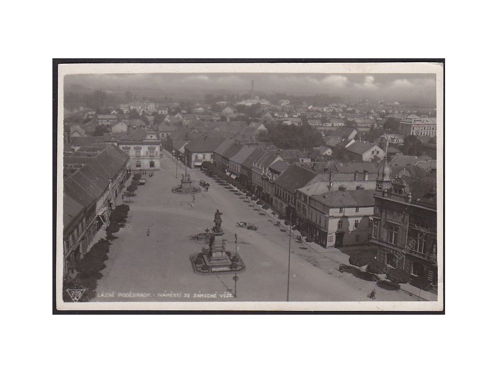 40 - Nymbursko, lázně Poděbrady, náměstí ze zámecké věže, cca 1935