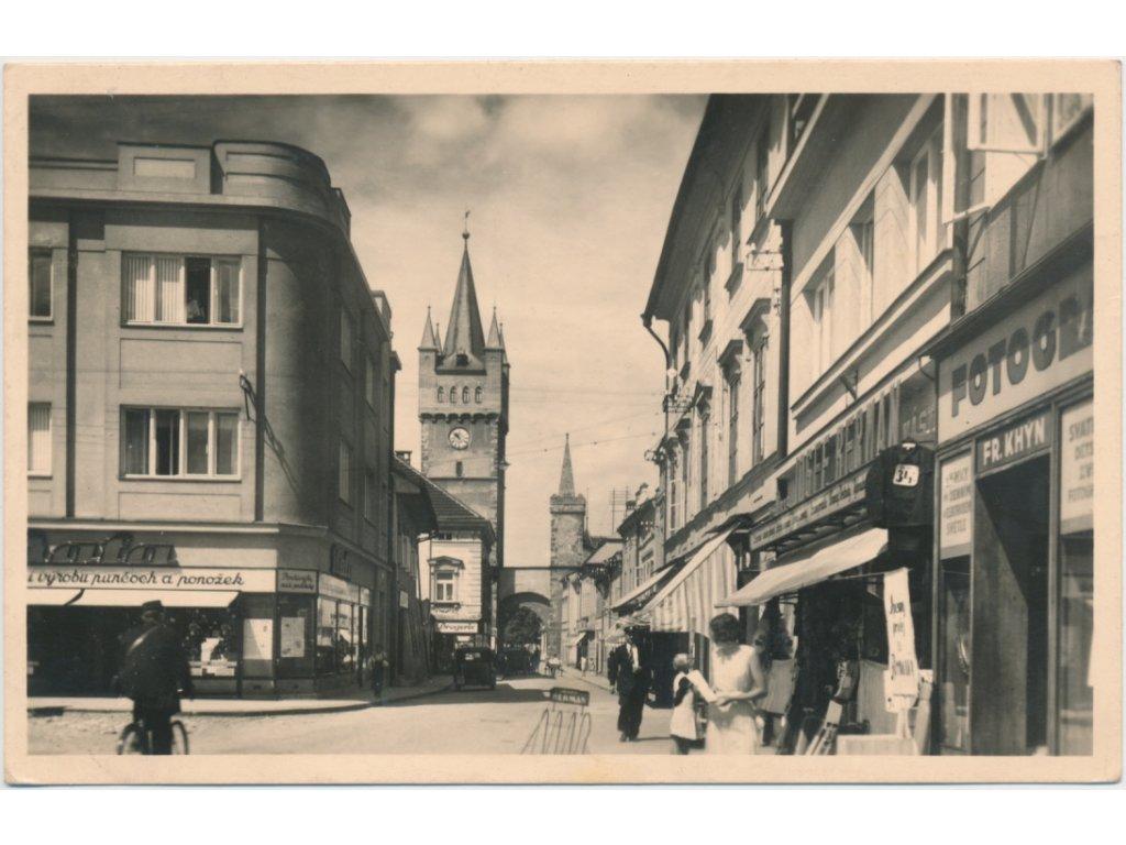 70 - Orlickoústecko, Vysoké Mýto, oživená část náměstí, cca 1947