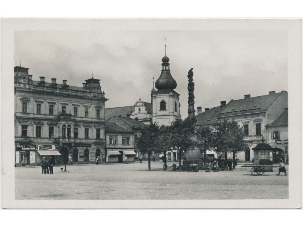70 - Orlickoústecko, Choceň, oživené Tyršovo náměstí, cca 1940