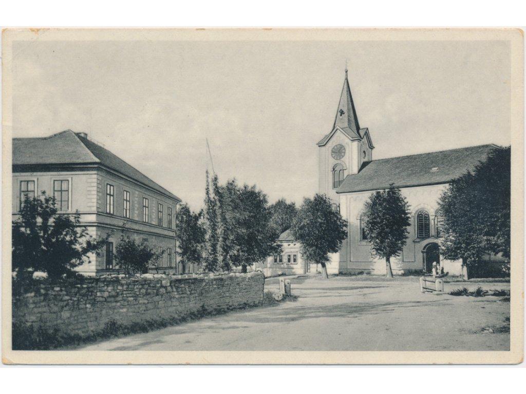 51 - Praha - západ, Třebotov, partie u kostela, cca 1925