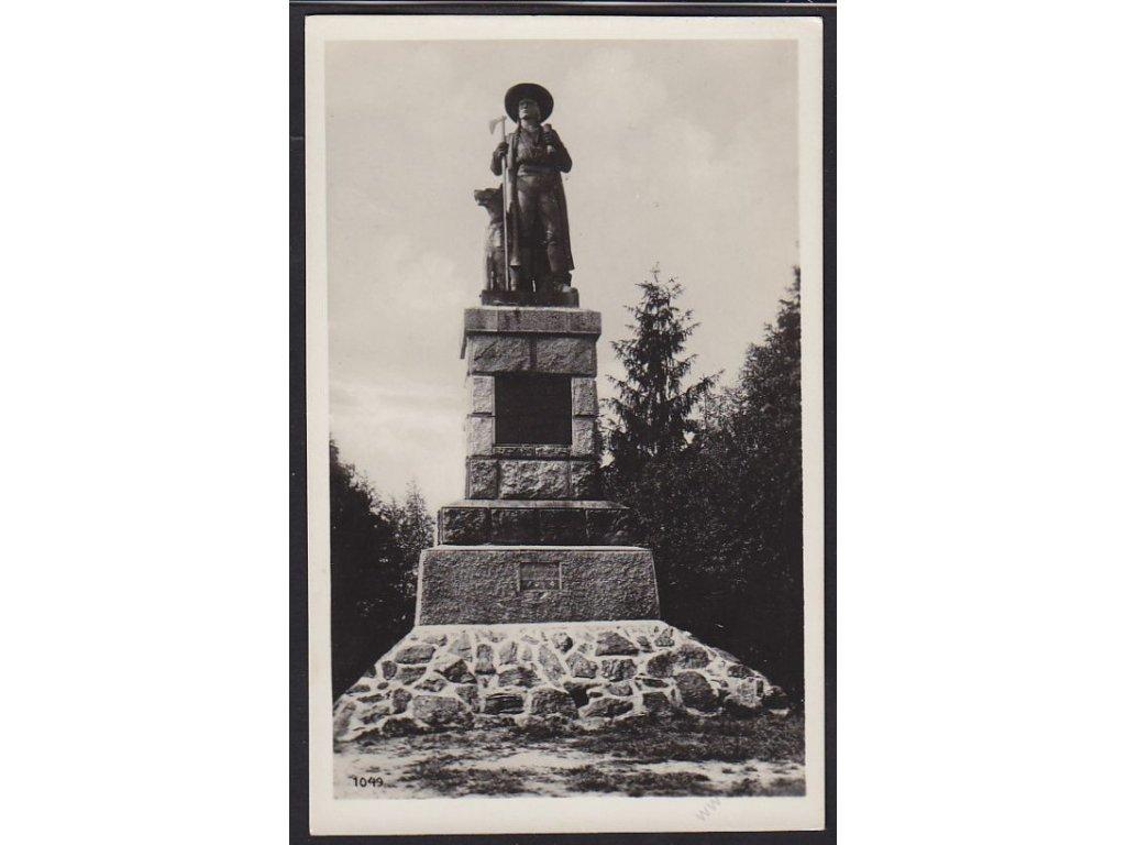 15 - Domažlicko, pomník Jana Koziny na hrádku, nakl. Rybařík, cca 1930