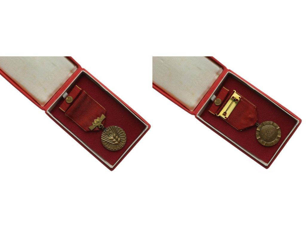 ČSSR, AE medaile Svaz družstevních rolníků, stuha, stužka, krabička