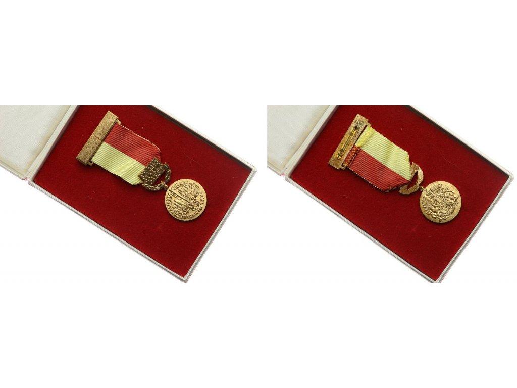 ČSSR, AE medaile Za zásluhy o město Prahu , stuha, stužka, krabička