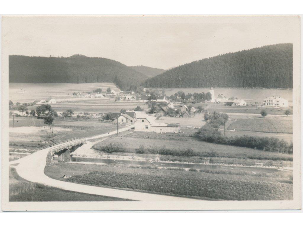 71 - Vsetínsko, Halenkov, celkový pohled na obec, Grafo Čuda