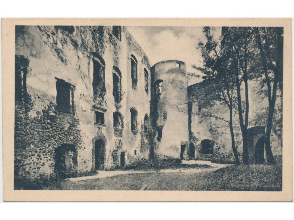 53 - Přerovsko, partie z nádvoří hradu Helfštýn, cca 1933