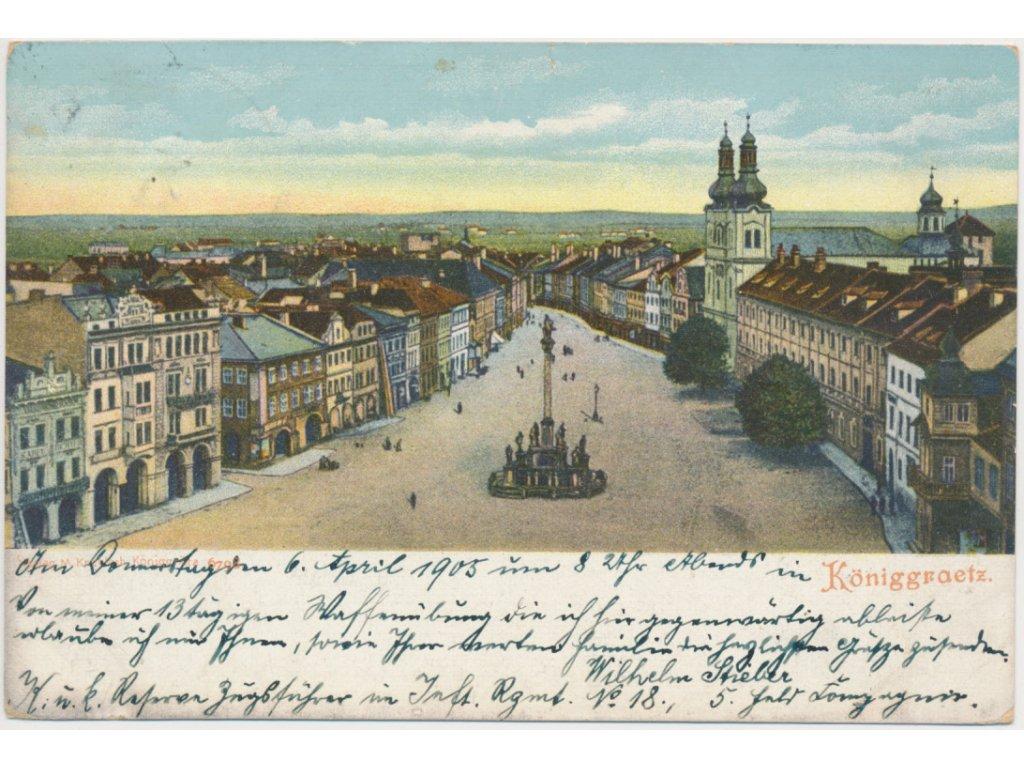 19 - Hradec Králové, pohled na oživené náměstí z věže, cca 1911