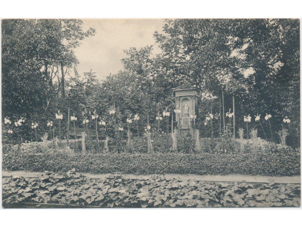 31 - Kutná Hora, kaplička v zahradě kláštera Voršilek