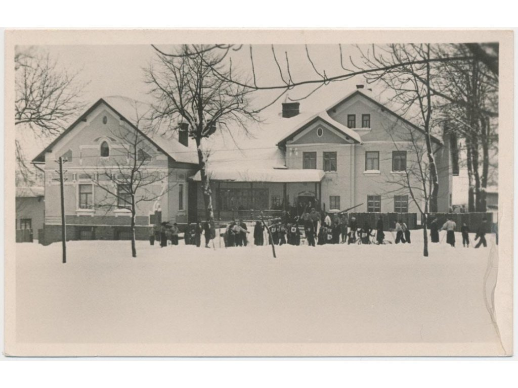 39 - Novojičínsko, Frenštát p. R., oživená partie u restaurace Siberia