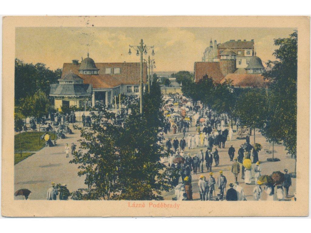 40 - Nymbursko, Poděbrady, oživená kolonáda, cca 1923