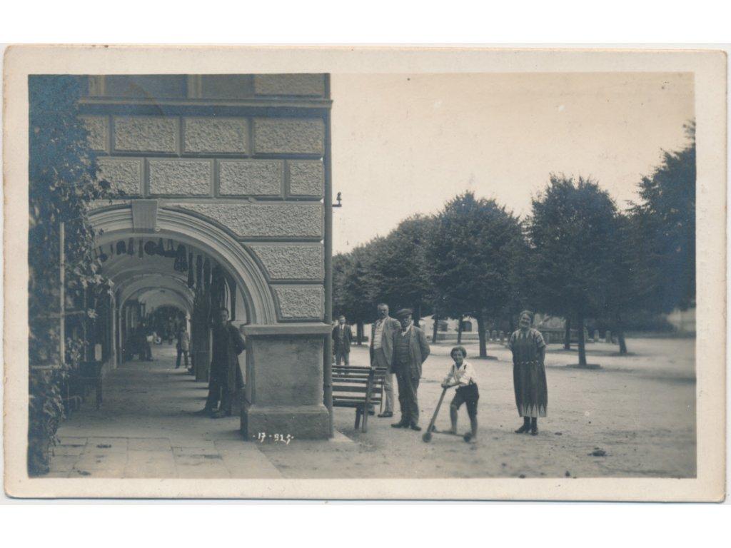 70 - Orlickoústecko, Kyšperk-Letohrad, oživené náměstí s podloubím,1929