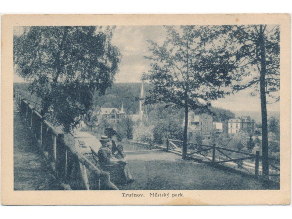 66 - Trutnov, oživená partie z městského parku, cca 1921