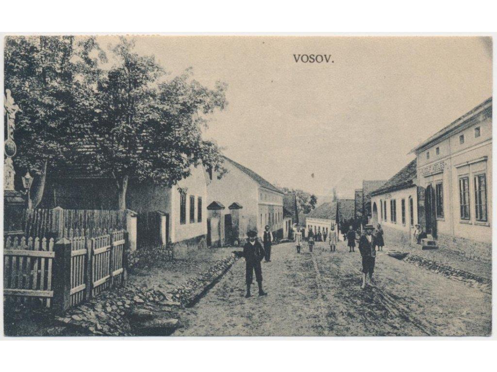 02 - Berounsko, Vosov (Osov), ulice s obyvateli obce, cca 1920
