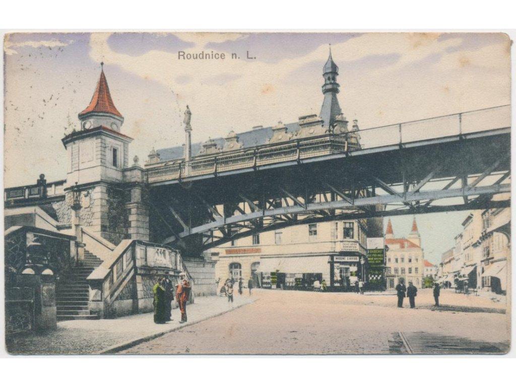 33 - Litoměřicko, Roudnice nad Labem, oživená partie pod mostem, 1916