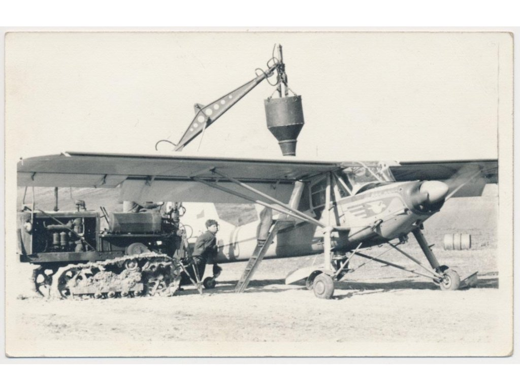 Aero L60 - Brigadýr, oživená partie u letadla