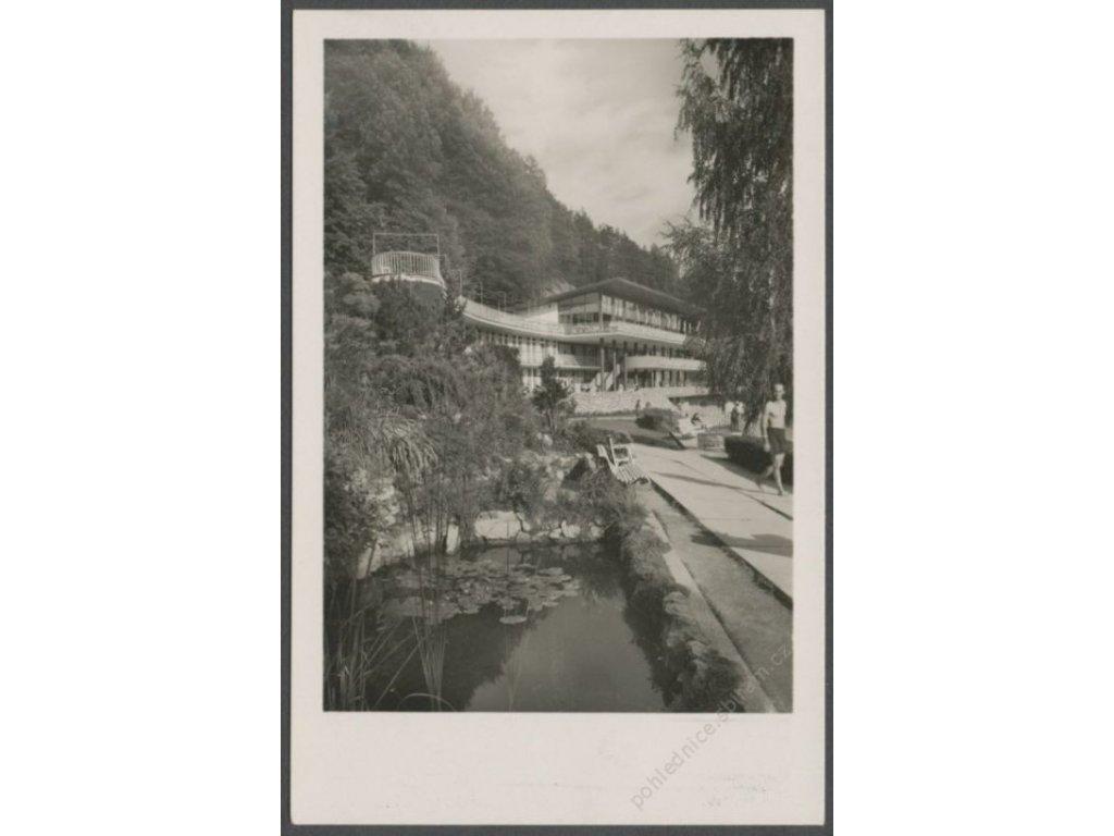 """Slovensko, Trenčianske Teplice, kúpele, Lesné termálne kúpalisko na """"Zelenej Žabe"""", cca 1930"""