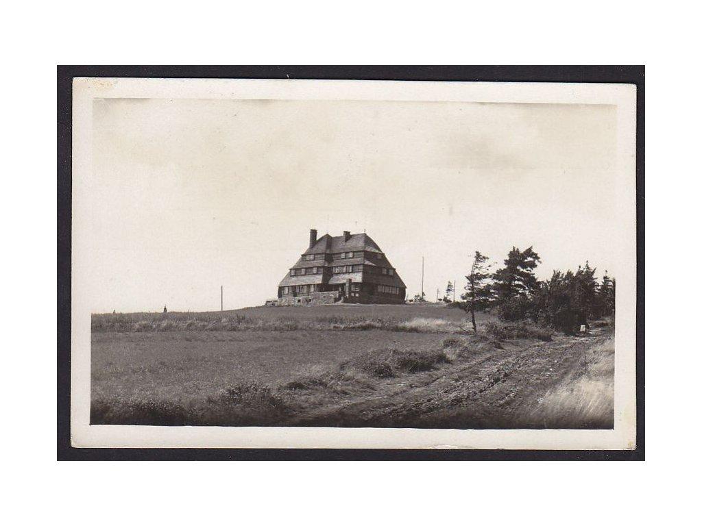 57- Ryychnovsko, Masarykova chata na Šerlichu, nájemce V.Kříž, ca 1930