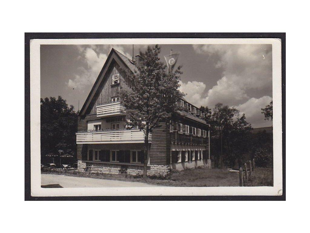 """70- Ústeckoorlicko,Chata KČST""""U zemské brány"""" ( chata Čihák),  Žamberk, ca 1937"""