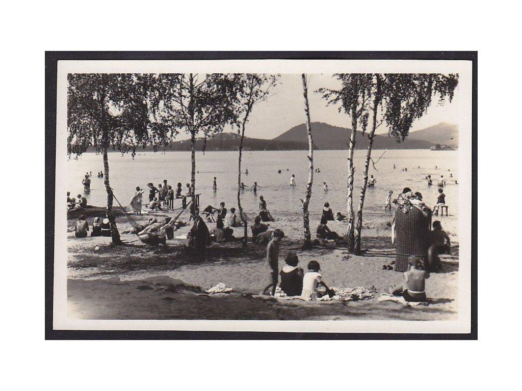 11- Českolipsko, Doksy, pláž, fot Rimpel, ca 1930