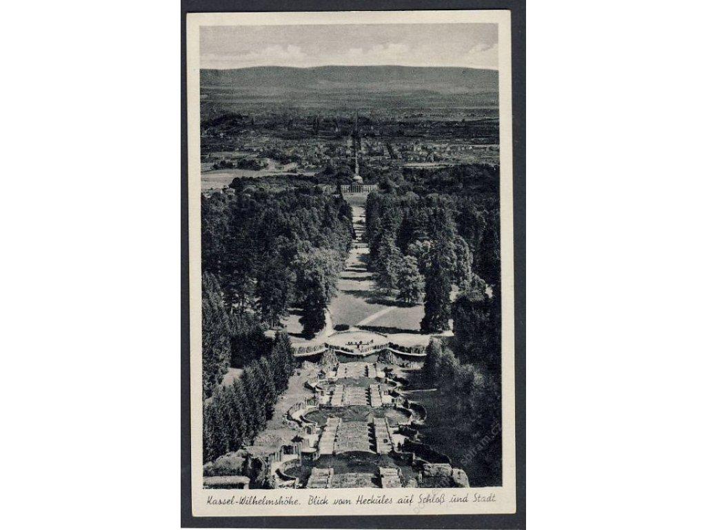 Deutschland, Kassel-Wilhelmshöhe, Blick von Herkules auf Schloss und Stadt, cca 1940