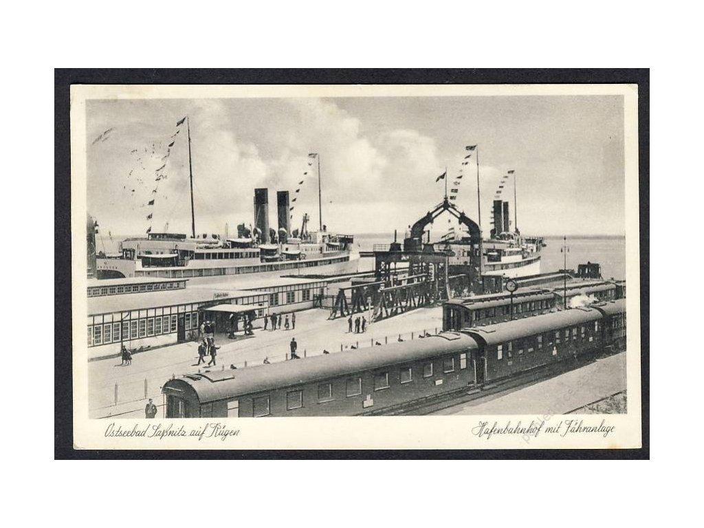 Deutschland, Ostseebad Sassnitz auf Rügen, Hafenbahnhof mit Fähranlage, cca 1940