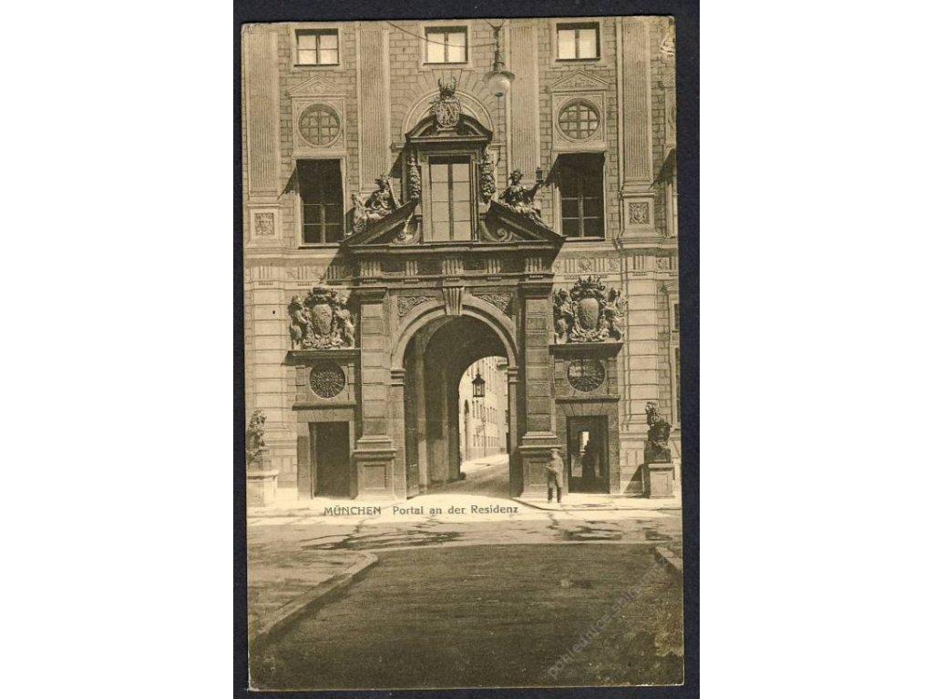 Deutschland, München, Portal an der Residenz, cca 1921