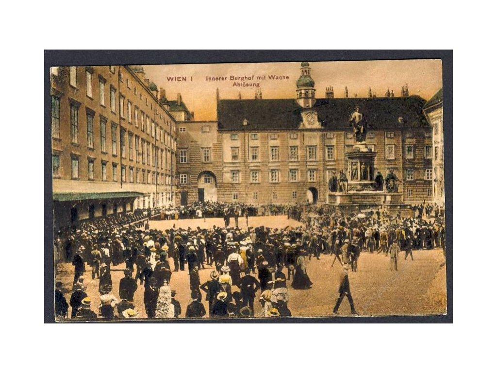 Österreich, Wien, Innerer Burghof mit Wache-Ablösung, cca 1915