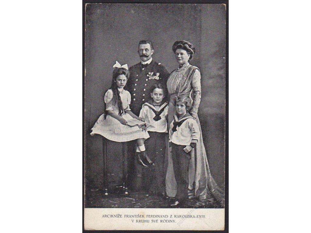 Arcikníže František Ferdinand z Rakouska-Este v kruhu své rodiny, cca 1915