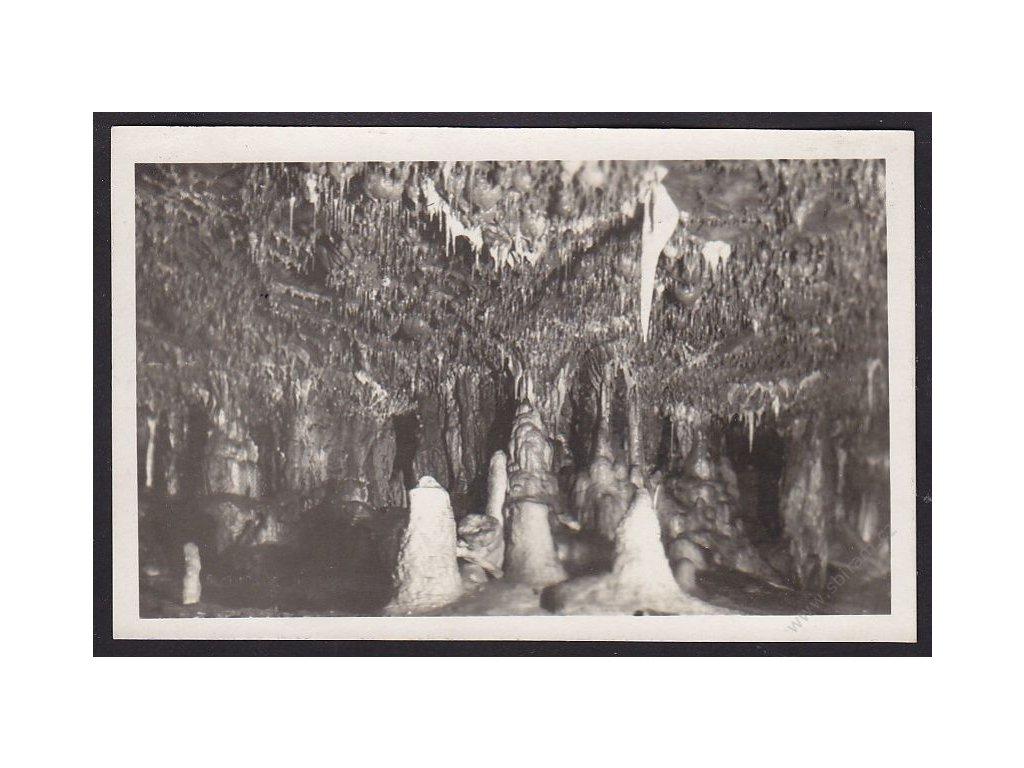 03 - Blansko, jeskyně Sloupsko-Šošůvské, Brouškova síň, grafo Čuda, cca 1928