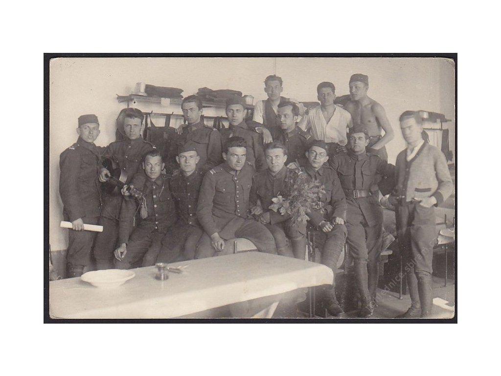 Vojenská jednotka, Skupinové foto, cca 1947