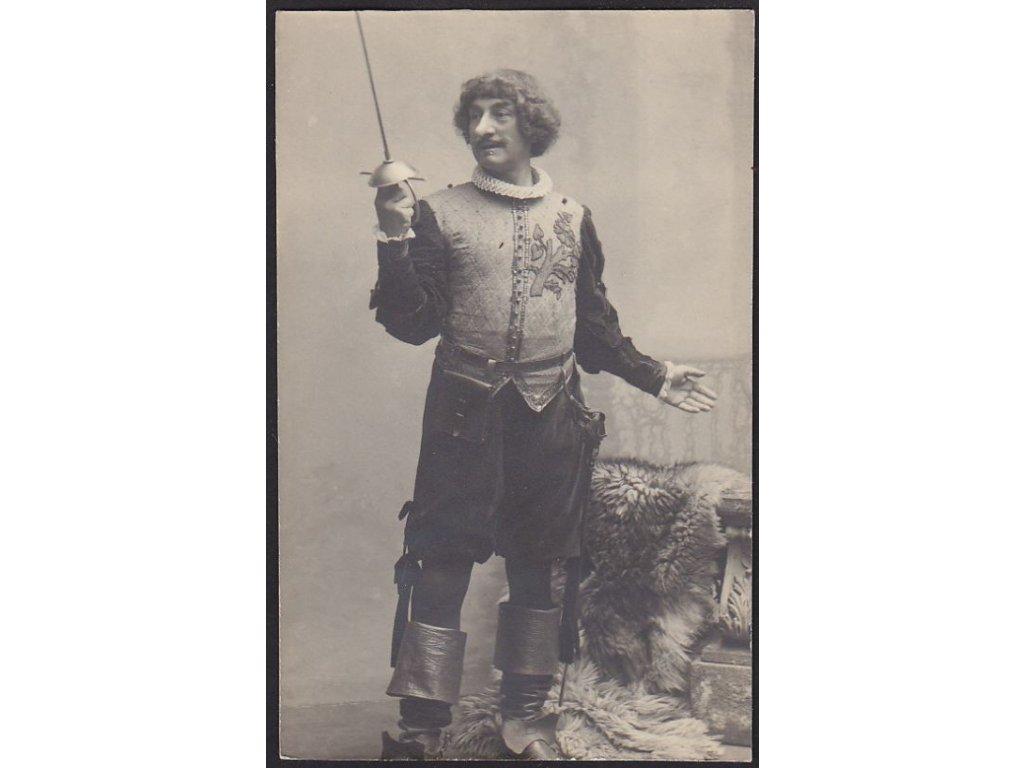 Ateliérové foto, Cyrano, cca 1908