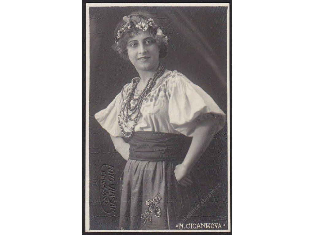 Ateliérové foto, Cikánka, Vlasák, České Budějovice, cca 1921