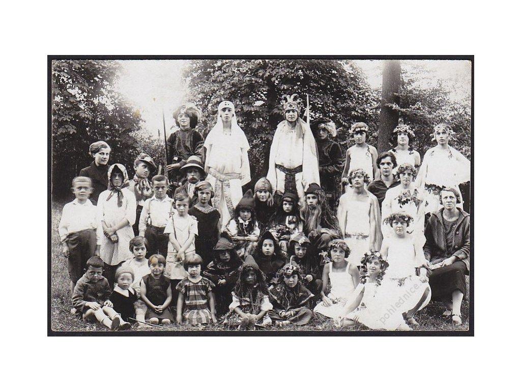 Ochotníci, skupinové foto, cca 1925