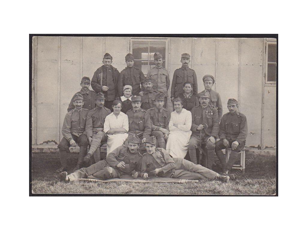 Vojáci, skupinové foto, cca 1925