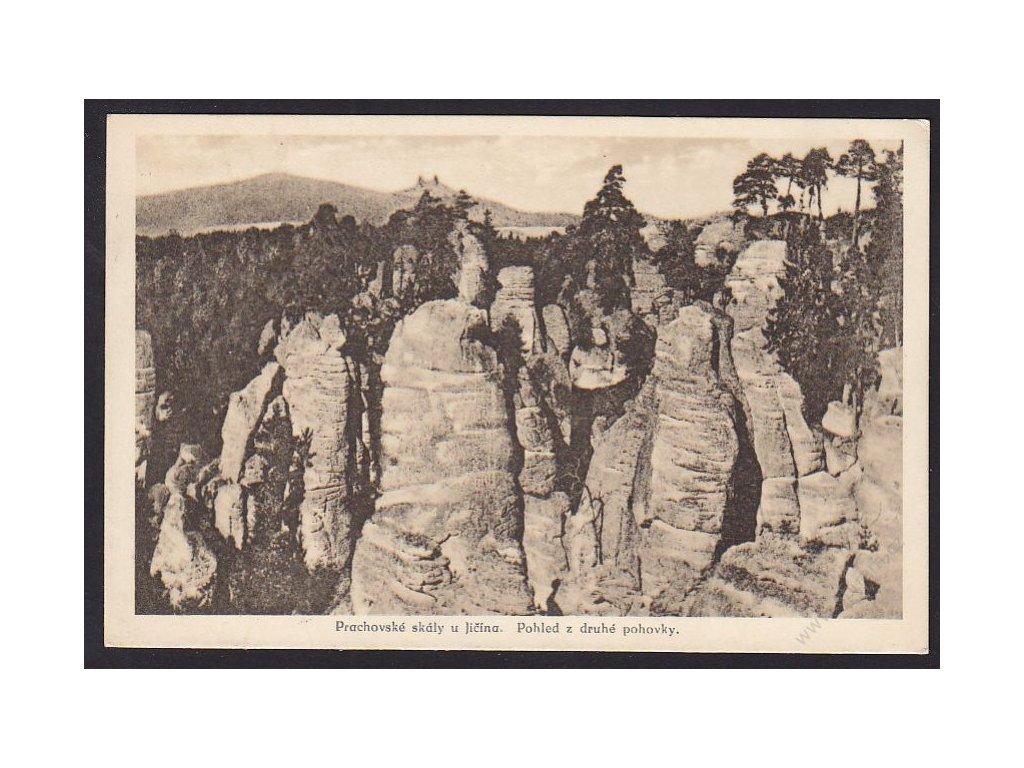 22 - Jičínsko, Prachovské skály, pohled z druhé pohovky, nakl. Pašek, Trikolor, cca 1924