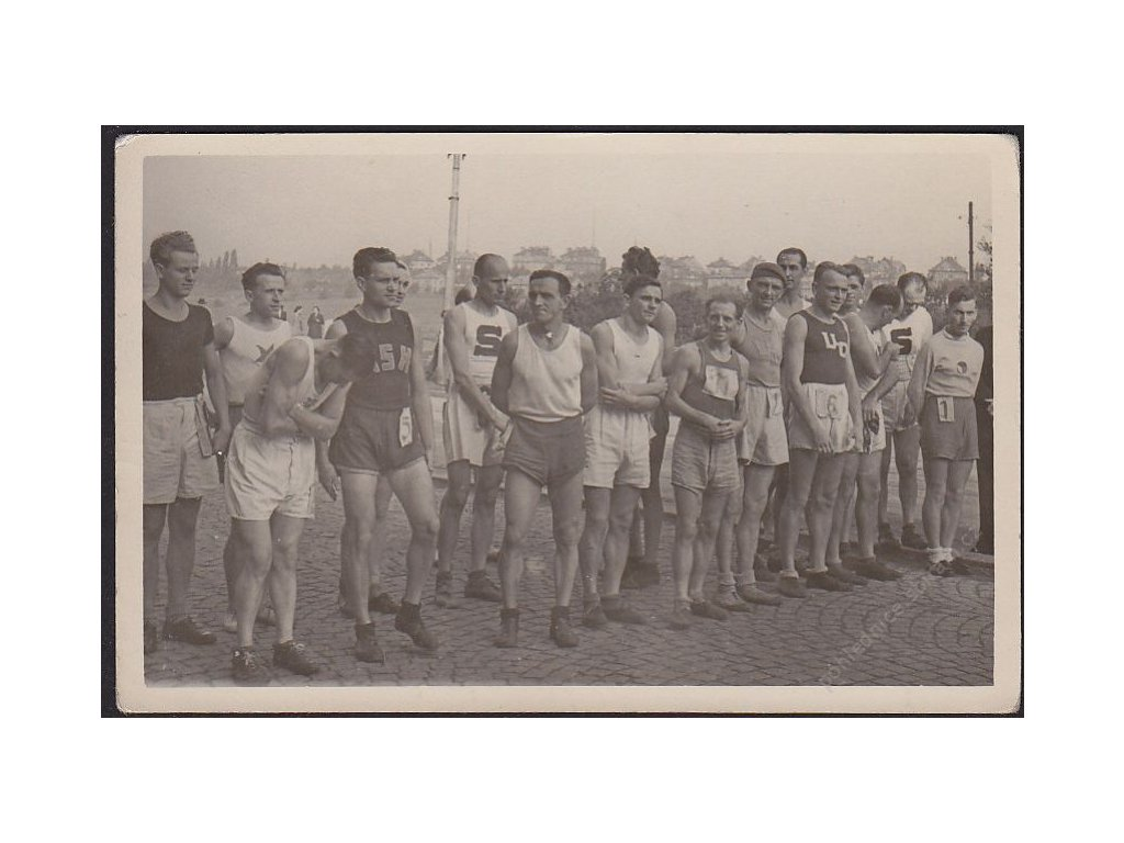Sport, Běžci na startu, cca 1945
