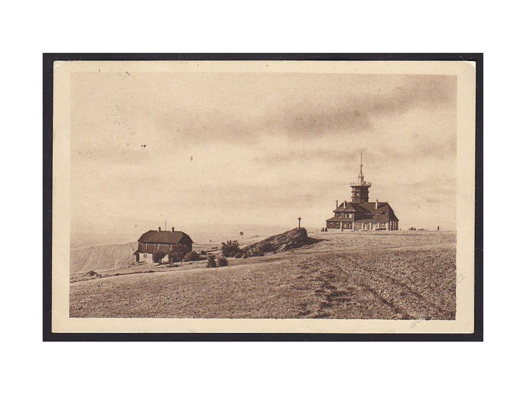 38 - Náchodsko, Jiráskova chata s obytným stavením na Dobrošově, cca 1935