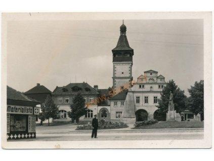36 - Mladoboleslavsko, Dobrovice, náměstí, nakl. Jan Zubák, cca 1930