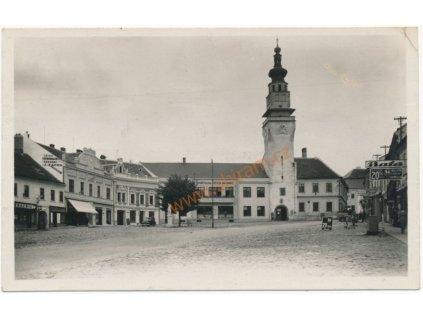 03 - Blansko, Boskovice, náměstí s obchody Baťa,látky J. Žáček...)1940