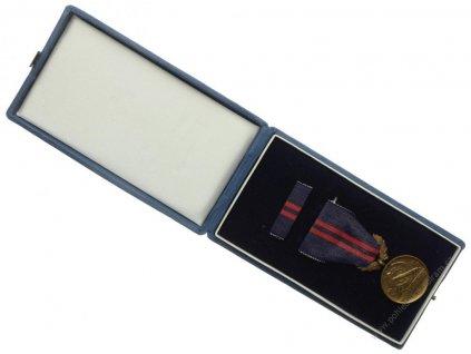 ČSSR, AE medaile Za vynikající práci , cca 1975,stuha, stužka,krabička
