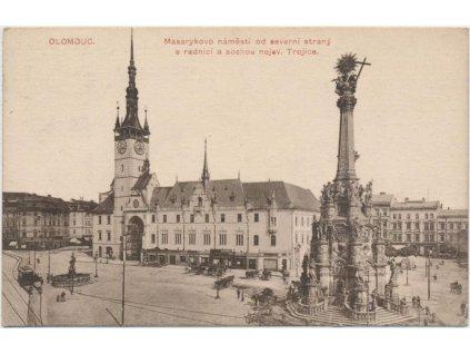 41 - Olomouc, Masarykovo náměstí od severní strany s radnicí, cca 1919