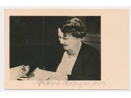 Majerová Marie (1882-1967), spisovatelka, portrétová pohlednice