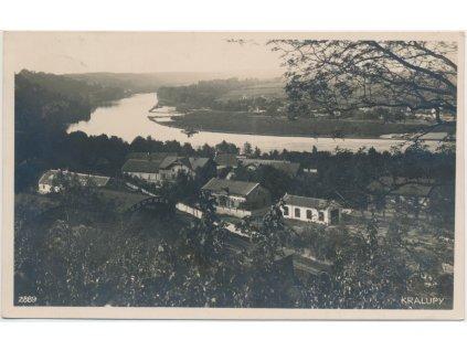 35 - Mělnicko, Kralupy nad Vltavou, pohled na část města a Vltavu, 1928