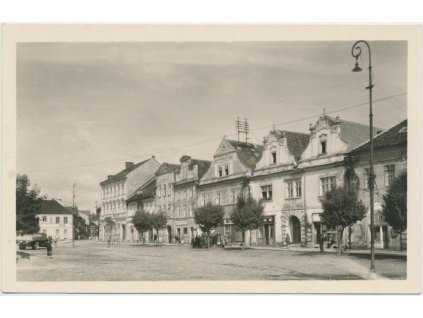 63 - Tachovsko, Stříbro, oživená partie z části náměstí
