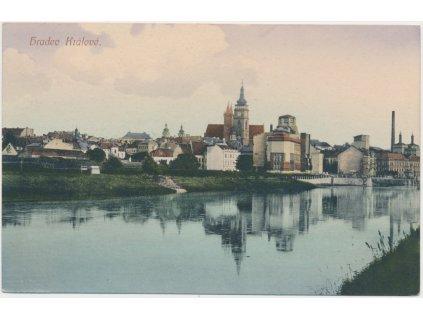 19 - Hradec Králové, pohled na město od řeky, cca 1924