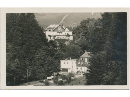 57 - Rychnovsko, Deštné, pohled na horskou chatu Alba, cca 1936